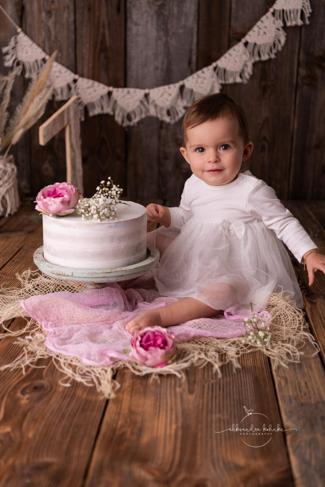 Geburtstagsfotos zum ersten Geburtstag und smashthecake in Rapperswil
