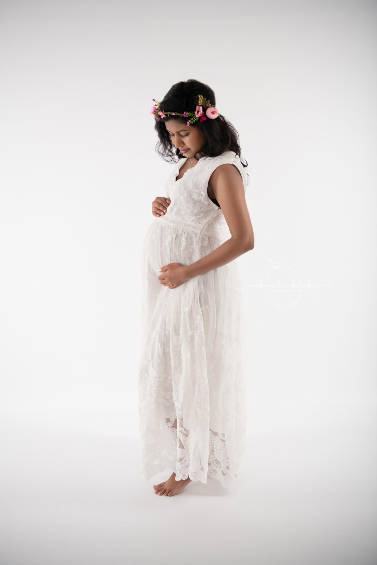 Babybauchshooting in Rapperswil Jona am Zürichsee und Kanton Sankt Gallen und Zürich bei Babybauchfotografin