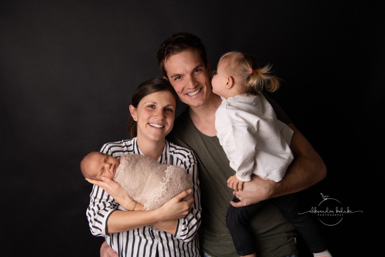 Familienshooting mit Neugeborenen und Geschwister in Rapperswil Jona und Kanton Zürich